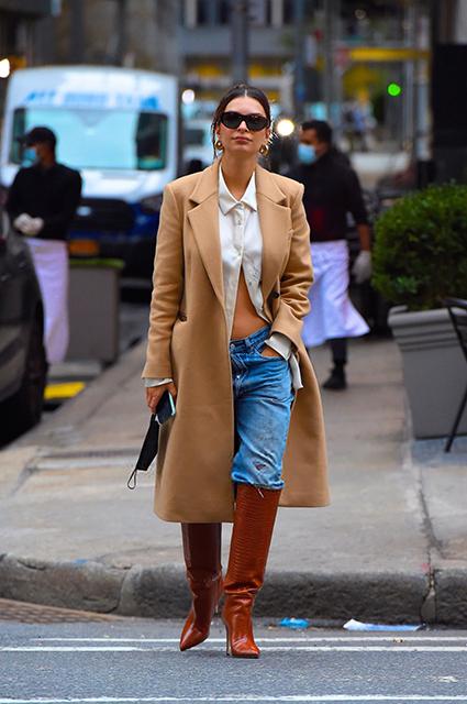 Беременная Эмили Ратажковски на прогулке в Нью-Йорке Звездный стиль