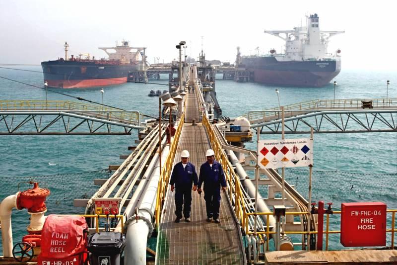 Вашингтон объявил войну иранской нефти: прогнется ли Китай? новости,события