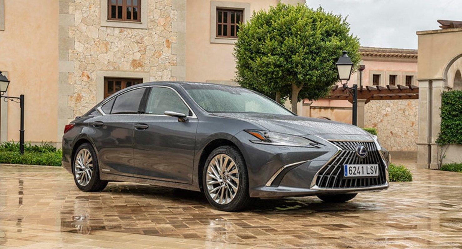 Компания Lexus обновила седан Lexus ES к 2022 году Автомобили