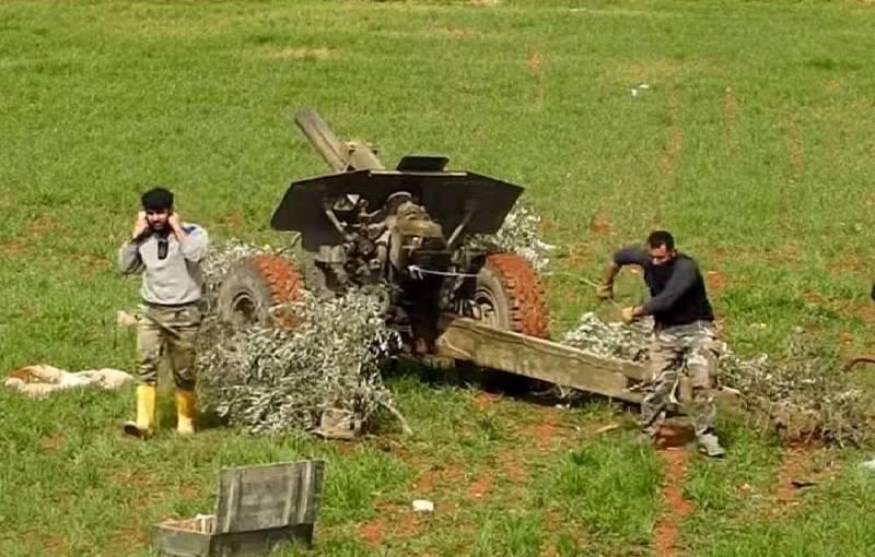 Сирийские боевики отказываются от покровительства Турции из-за снижения жалований