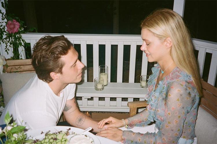 Бруклин Бекхэм и Никола Пельтц поделились фотографиями с помолвки Звезды,Звездные пары