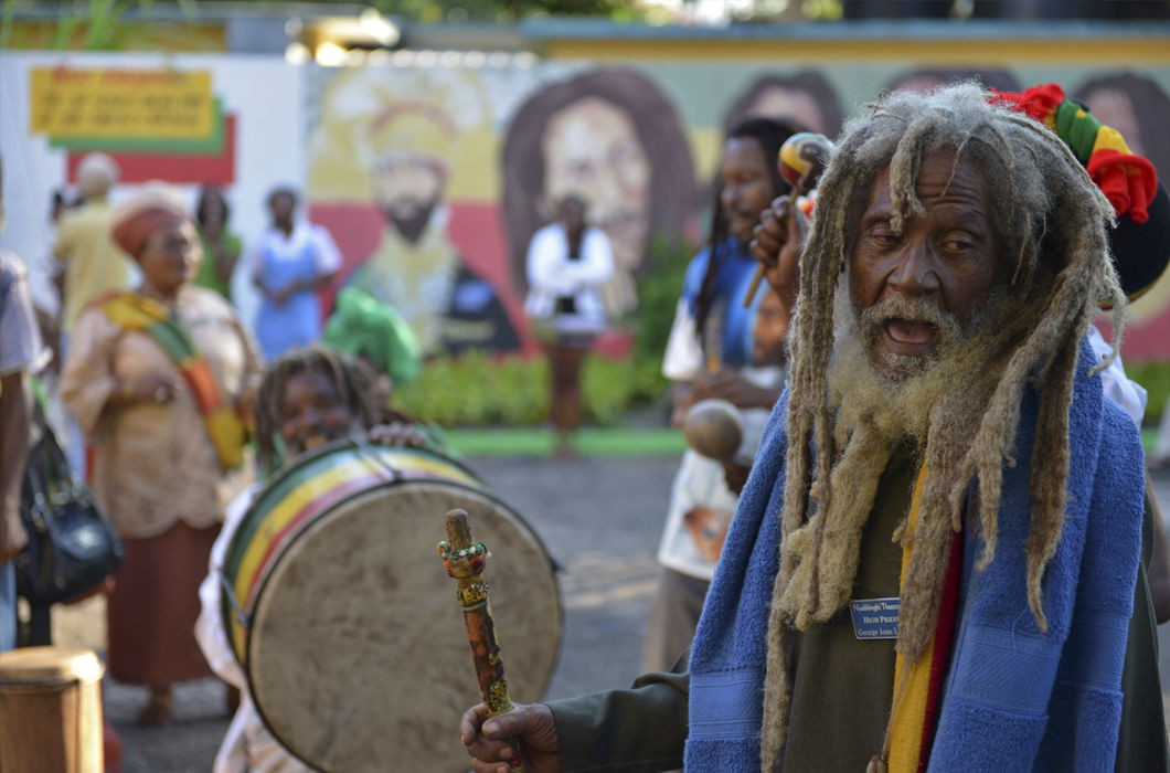Ямайка волосы, прическа