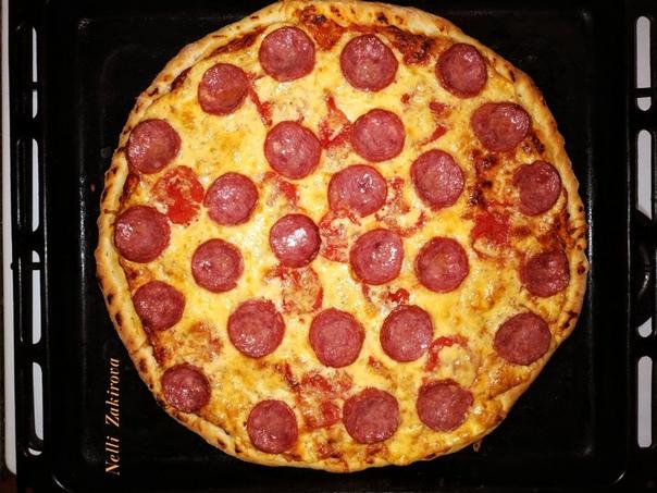Пицца а-ля пеперонни.