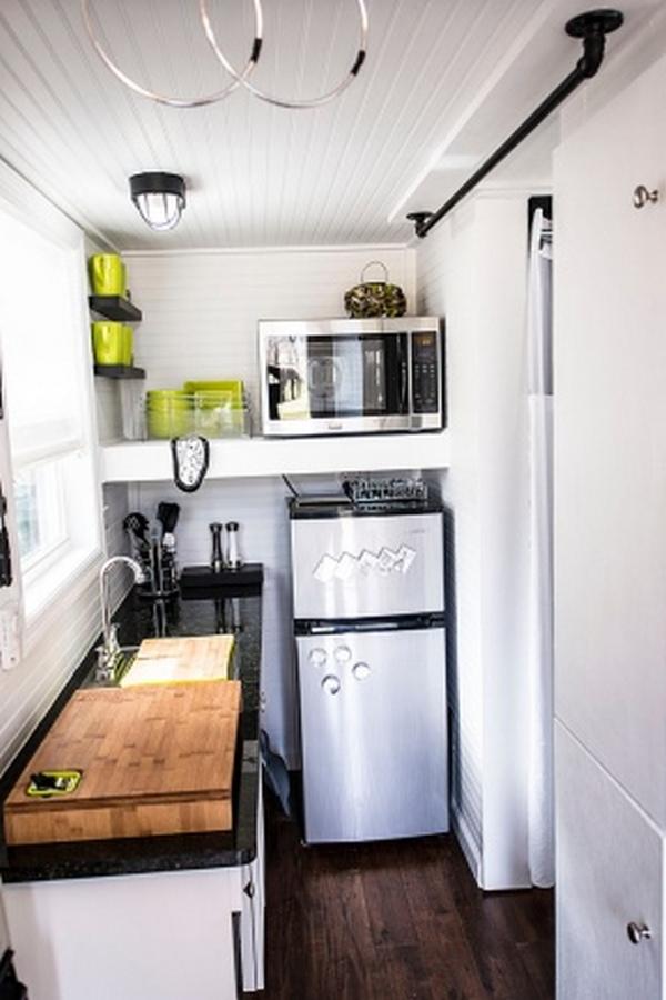 уютная кухня на балконе