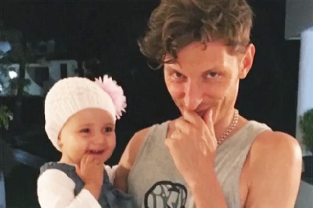 Ляйсан Утяшева и Павел Воля поделились архивными фото дочери Софии по случаю ее шестилетия