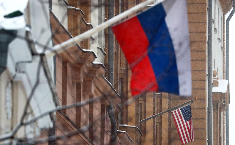Выйти из морока:  К чему ведет политика России непротивления США