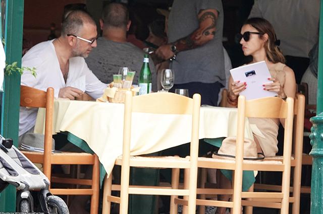 Миллиардер Андрей Мельниченко вместе с женой отдыхает на своей роскошной яхте в Портофино Звездные пары