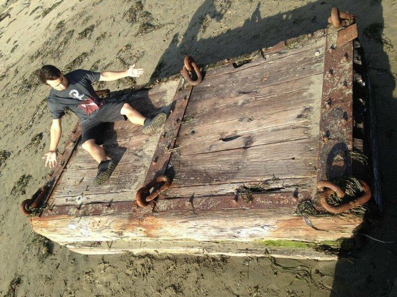 7. «Этот сундук был вымыт на пляж Калифорнии» в мире, вещи, интересно, находка, пляж, удивительно