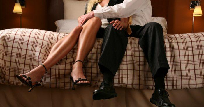 Муж узнал, что жена ему изме…