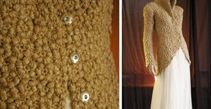 Стильный жакет с эффектом каракуля: цветочное вязание крючком