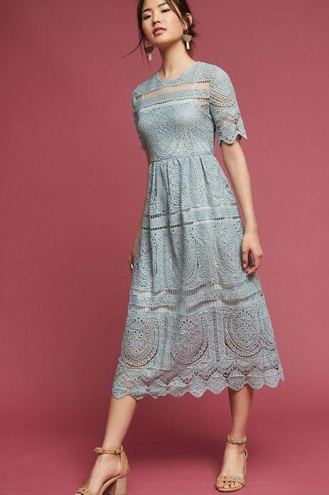 Утончённое вязаное платье миди