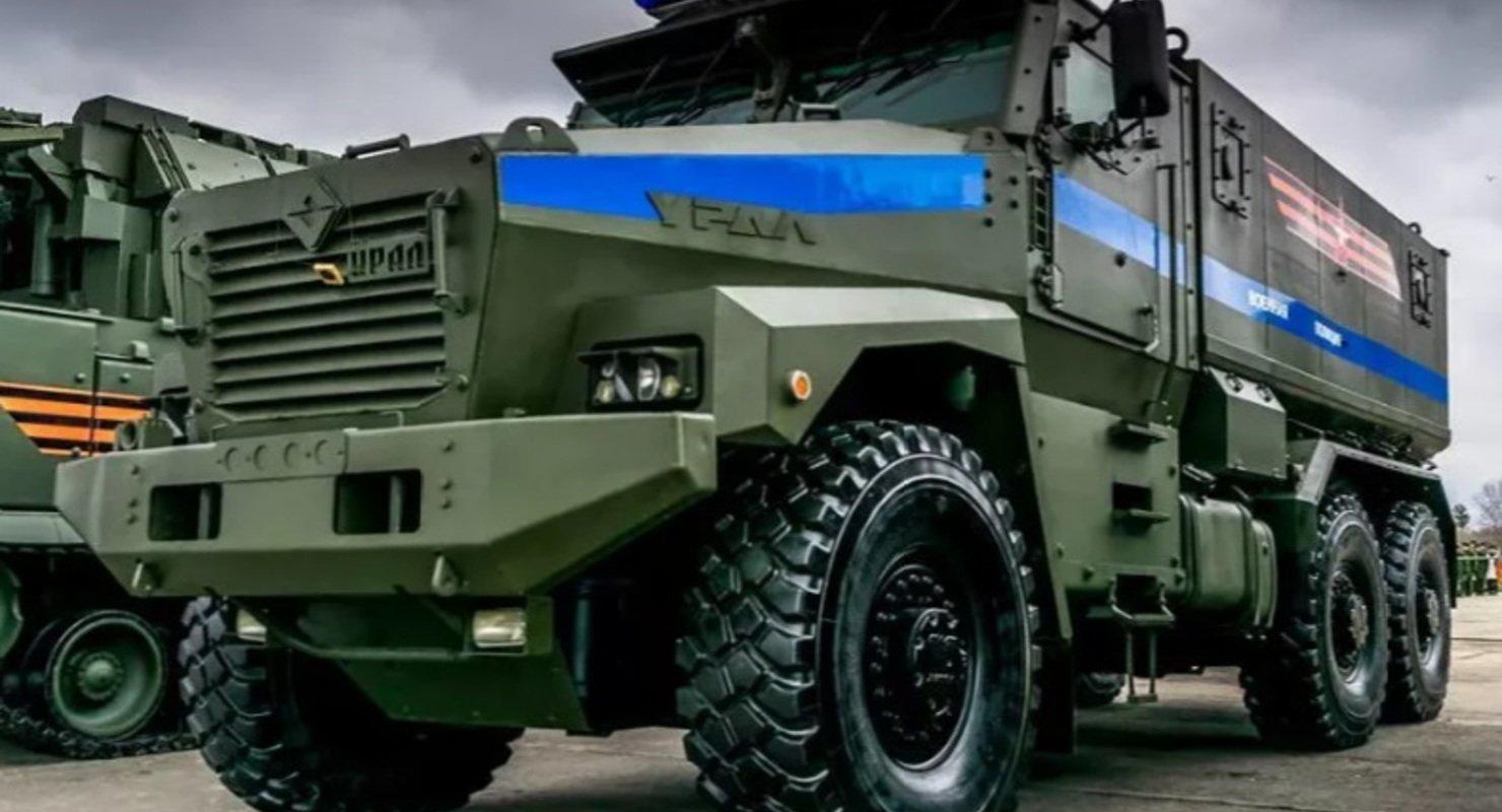 В Сети перечислили преимущества мощного броневика Тайфун-У для перевозки пехоты Автомобили