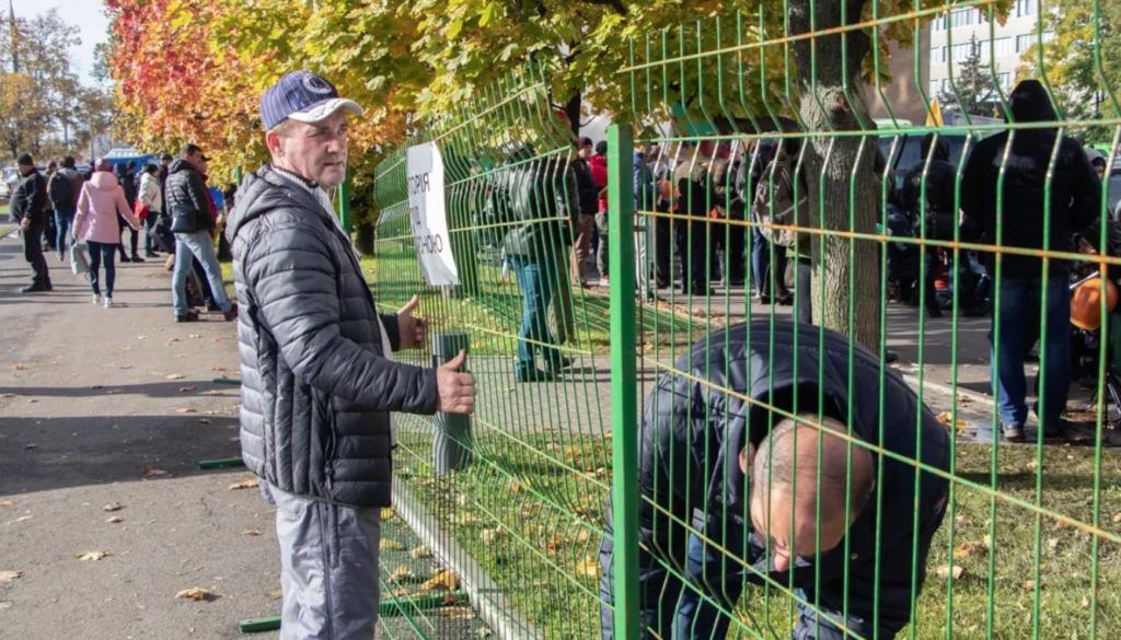 Некоторым украинцам запретили пересекать границу с Европой сразу по двум причинам