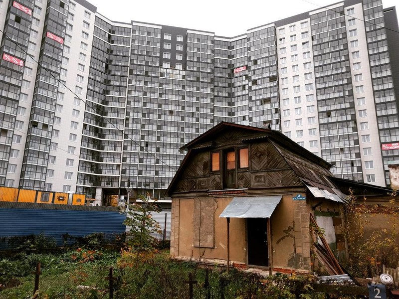 Красногорск: а мы не съедем, пусть у людей из окна будет видно хоть что-то милое, родное города, жизнь, контрасты, прикол, россия