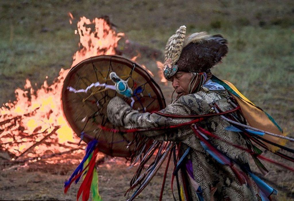 Трампа не признали другие шаманы. Э. Лимонов