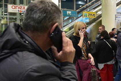 В аэропортах США будут отбирать гаджеты у туристов за отказ назвать пароль