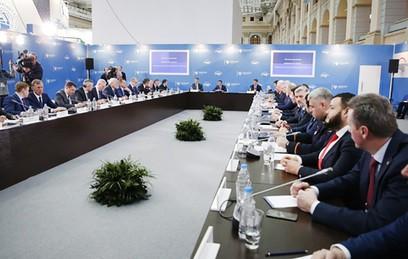 Медведев: число опасных участков на дорогах сокращено более чем на 40%