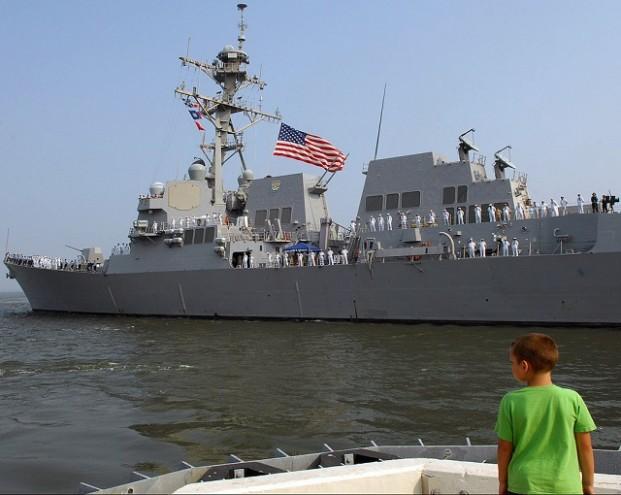 «А мечтали зайти в Севастополь»: в Сети объяснили, почему эсминец ВМС США с «Томагавками» не смог совершить заход в Одессу