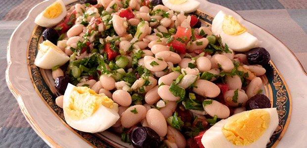 рецепт салат из фасоли простой рецепт