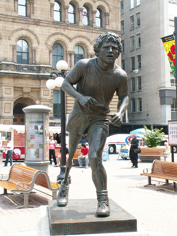 https://upload.wikimedia.org/wikipedia/commons/thumb/d/d5/Terry_Fox_Statue_db.jpg/675px-Terry_Fox_Statue_db.jpg