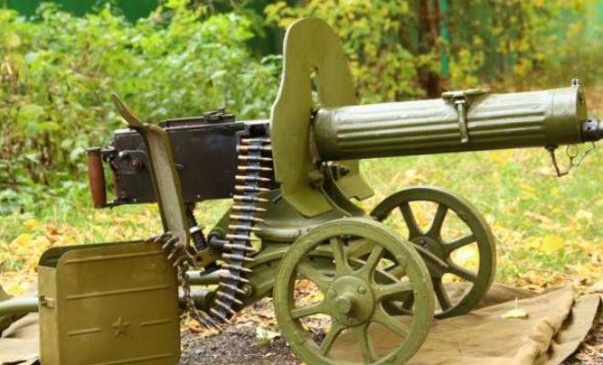 Пулеметные ленты революционных матросов: зачем моряки обвязывались патронтажами война,максим,матрос,оружие,Пространство,пулемет,революция