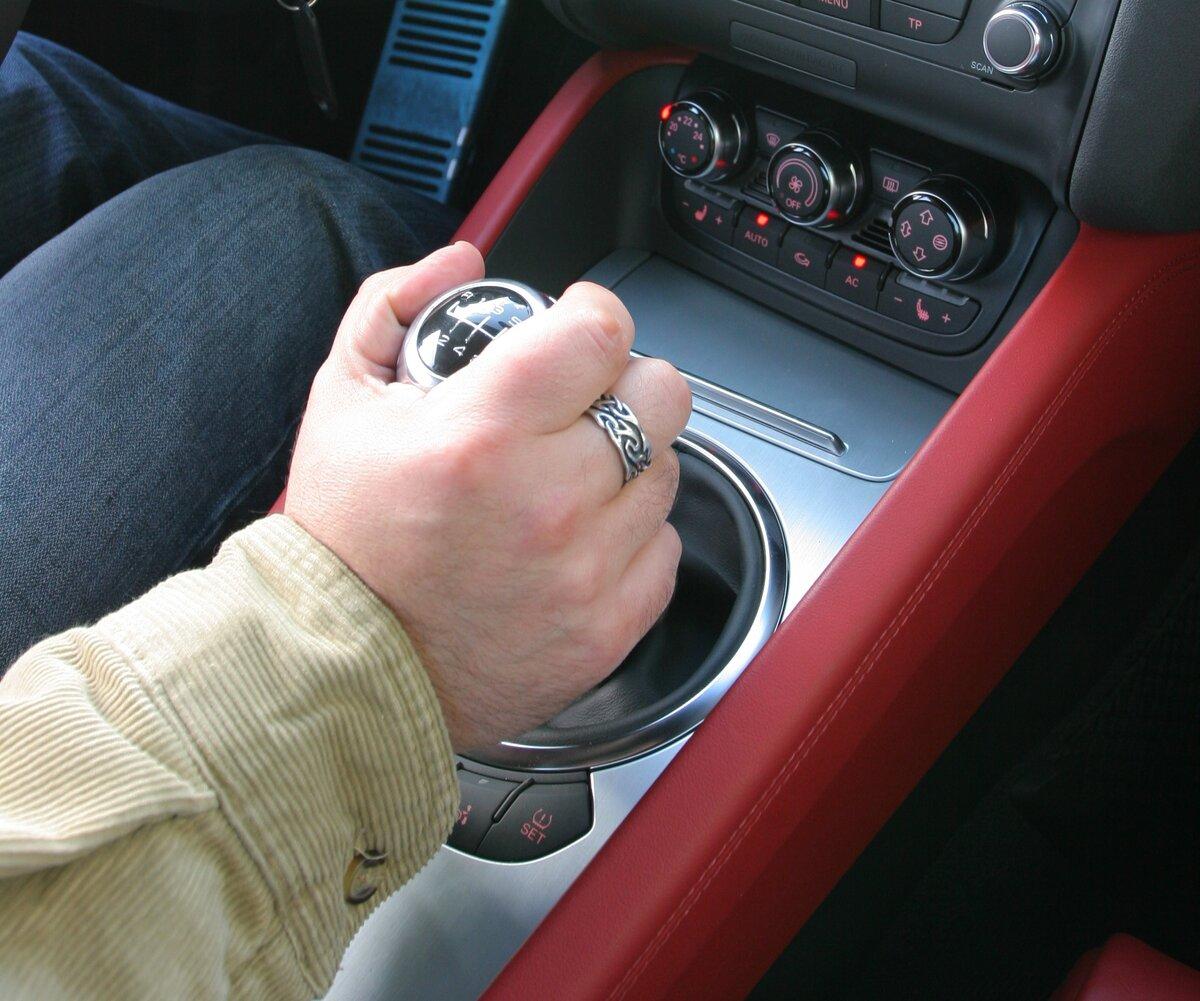Почему при переключении возникает «хруст» в механической коробке передач авто,авто и мото,автосалон,автосамоделки,водителю на заметку,машины,ремонт,Россия,тюнинг