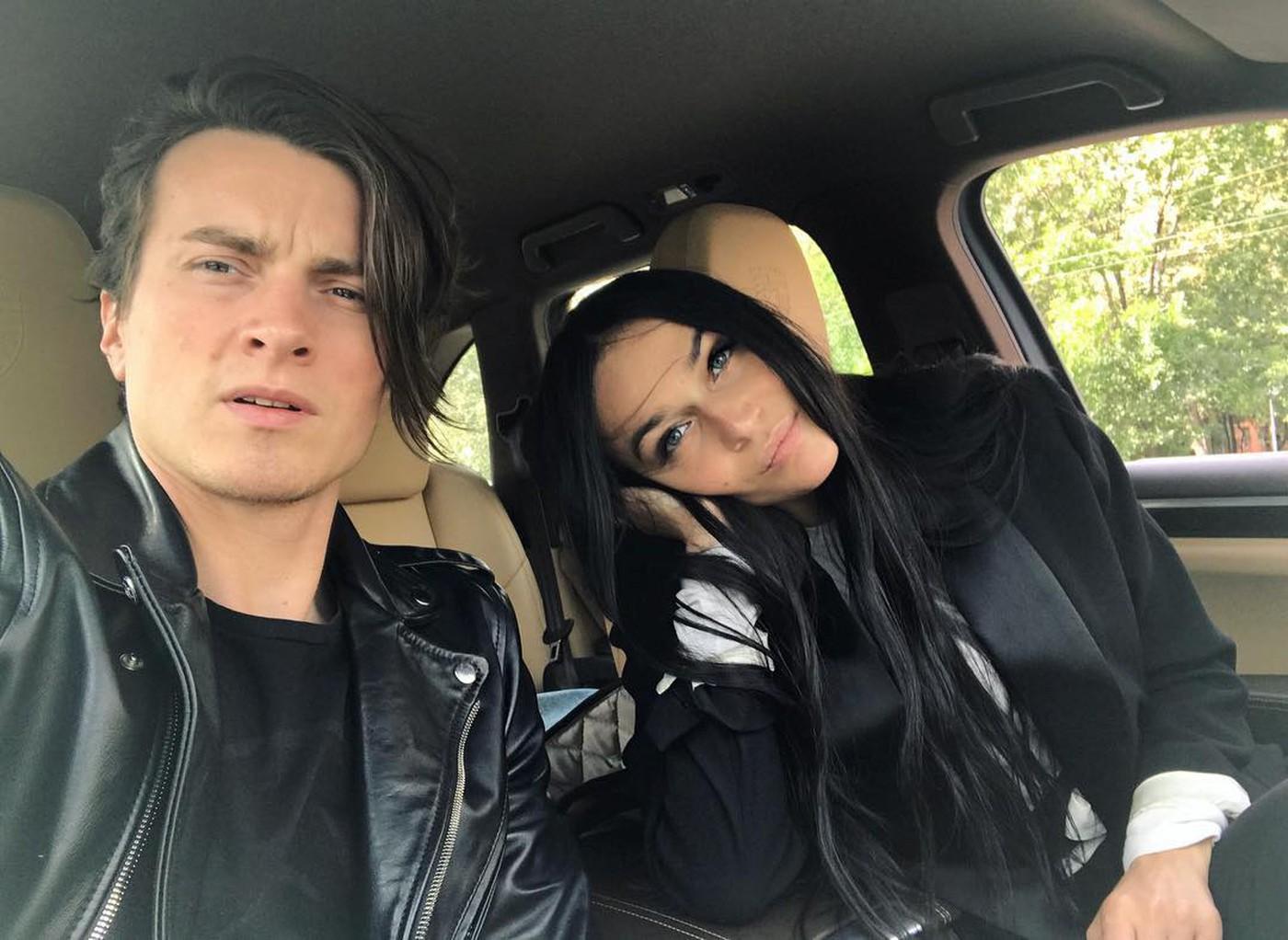 СМИ: Алена Водонаева бросила мужа