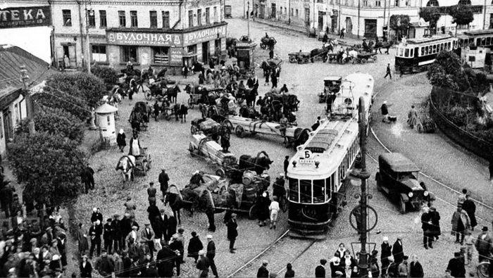 Вперёд в прошлое: 20 ретро фотографий советской Москвы 1920-х