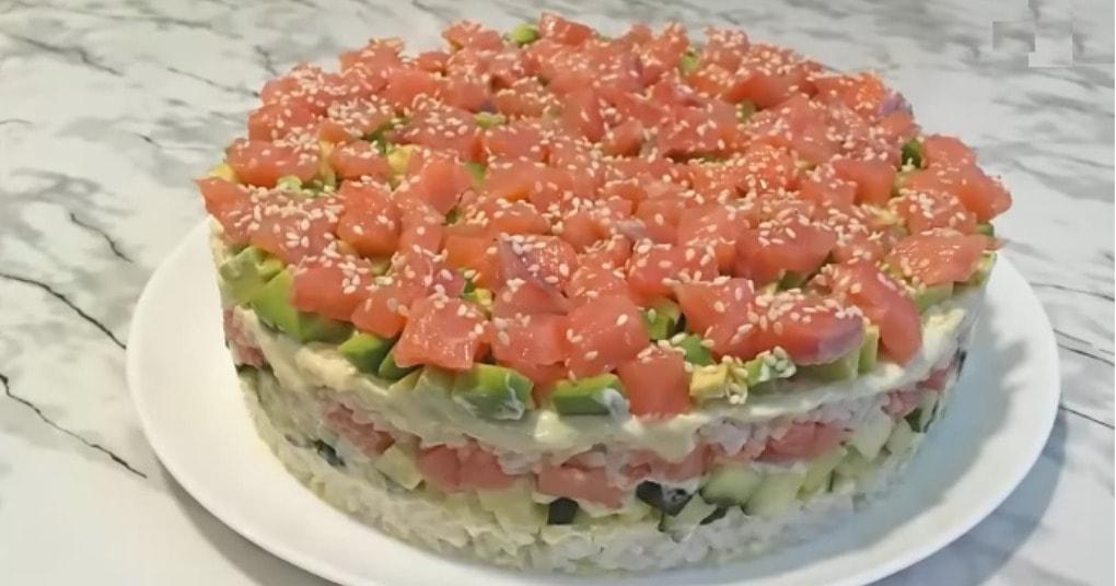 Салат «ленивые суши» — идеальный рецепт для тех, кто любит суши, но не хочет их готовить
