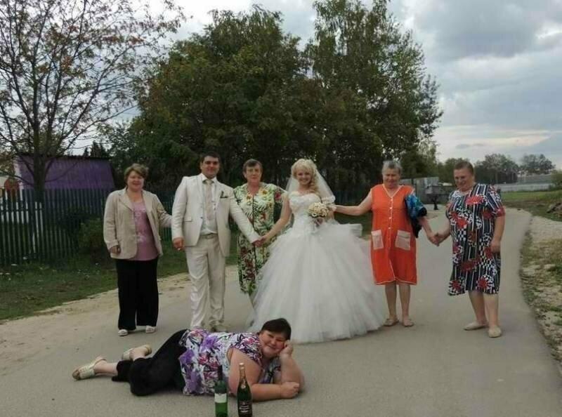Картинки, прикольные фото со свадьбы жениха и невесты в деревне