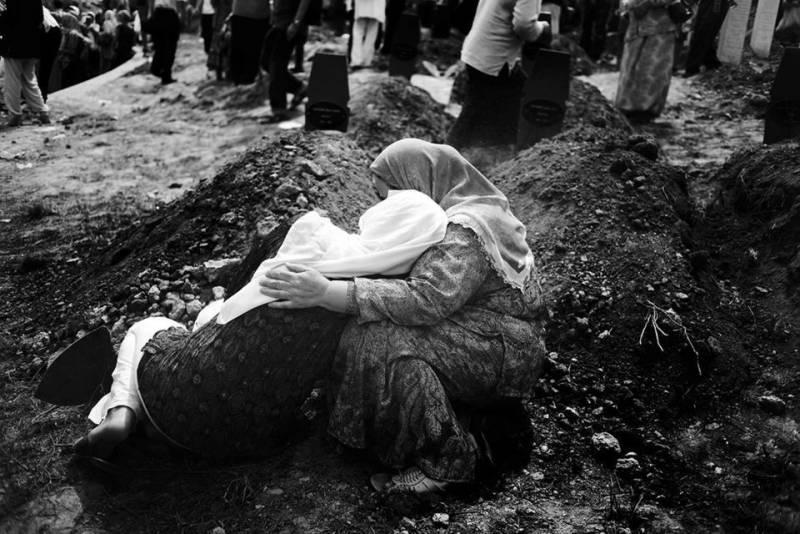 Сребреница и Косово: чья бы корова мычала геополитика