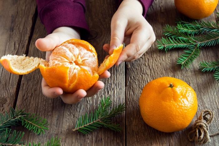 Кислый или сладкий: как узнать вкус мандаринов еще на прилавке