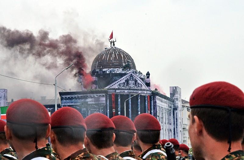 Яркие кадры церемонии закрытия Всемирных военных игр в Сочи