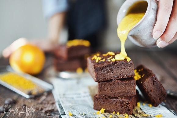 Апельсиновый брауни. Ингредиенты: апельсиновое варенье, шоколад черный горький 70%, кокосовые сливки брауни,десерты