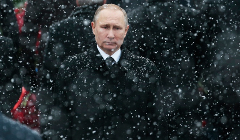 Патрик Бьюкенен ( США ) : Путина можно поставить выше всех других лидеров XXI века