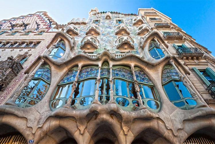 7 самых необычных окон в мире архитектура