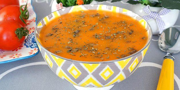Как приготовить куриную печень: Томатный суп с куриной печенью