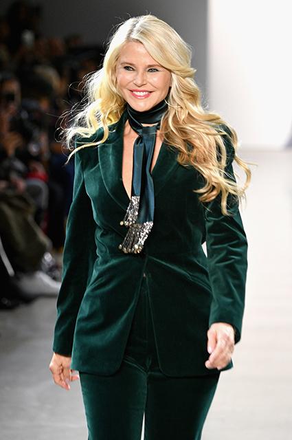 Дай пять! Кристи Бринкли с дочерью Сейлор вместе прошлись по подиуму на показе в Нью-Йорке новости моды