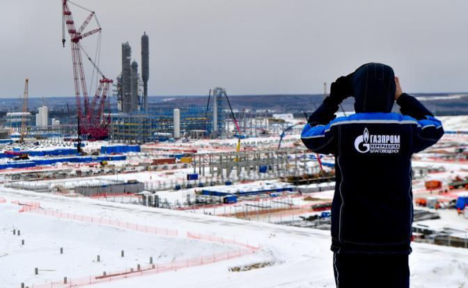 """Киев спешит разорить """"Газпром"""", пока власть не сменилась"""