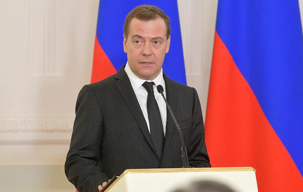 Медведев считает, что продол…