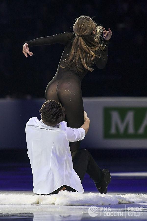 Фигуристка Александра Степанова удивила зрителей своим нарядом
