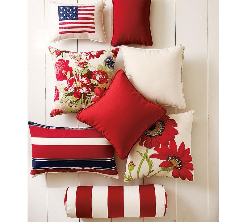 декор интерьера подушками