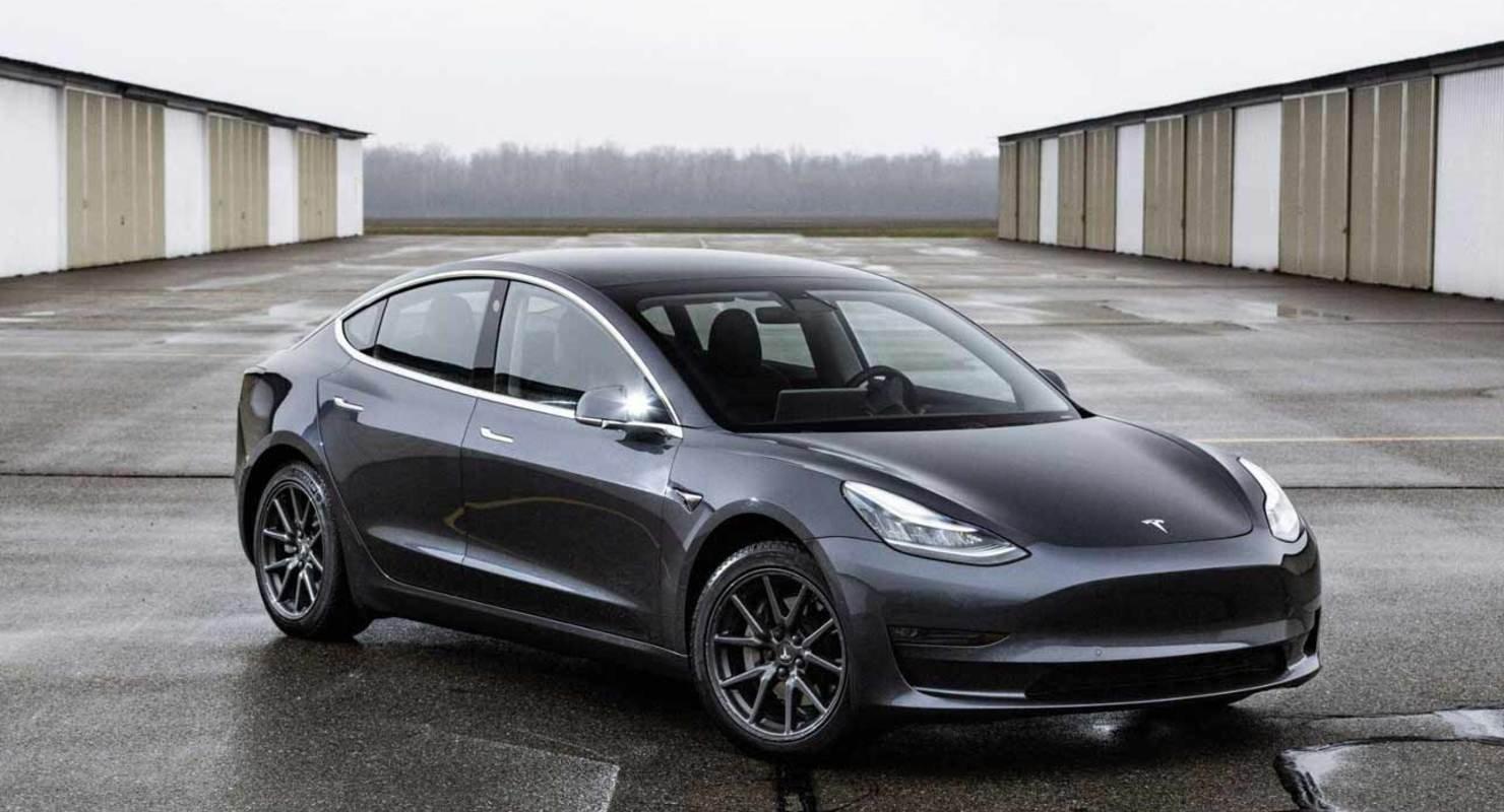 Минпромторг: Россия готова к сотрудничеству с Tesla по электромобилям Автомобили