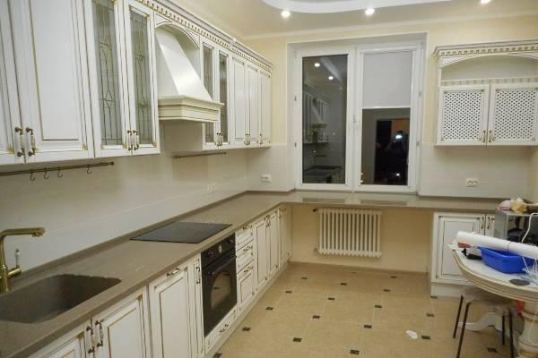 Столешницы и подоконники из искусственного камня - фото кухни