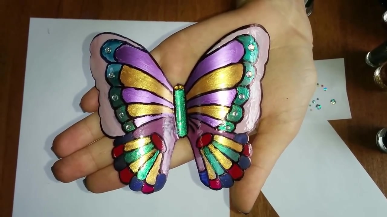Бабочки из пластиковых бутыл…