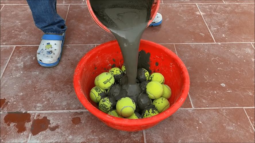 Креативная идея, реализованная с помощью теннисных мячиков