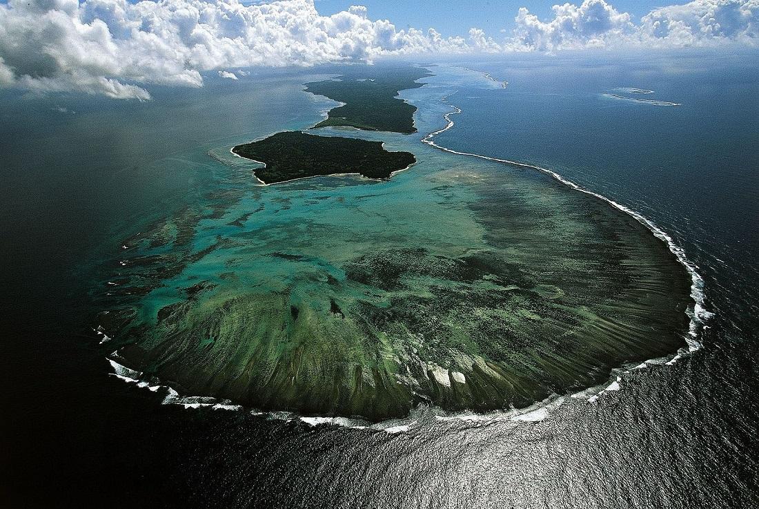 острова в картинках с высоты постоянно окружен сотнями