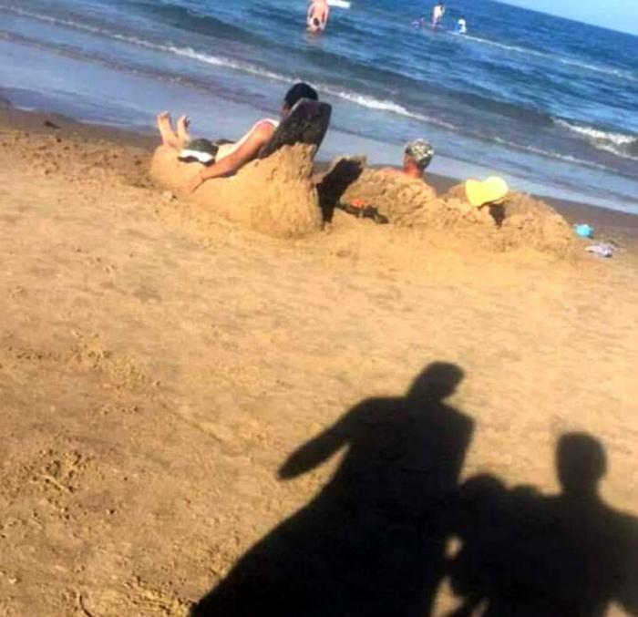Находчивые отдыхающие. | Фото: Поросёнка.нет.
