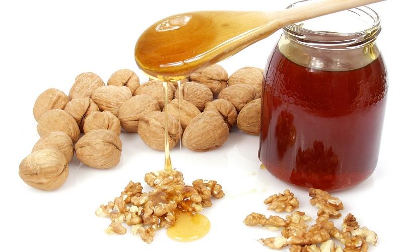 Кому верить? Мёд и орехи — яд в чистом виде! 6 сочетаний продуктов, которыми ты травишься ежедневно.