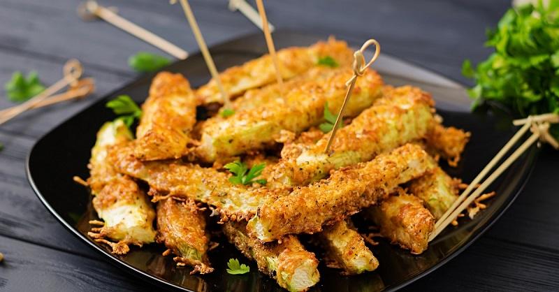 Хрустящие кабачковые палочки с сыром